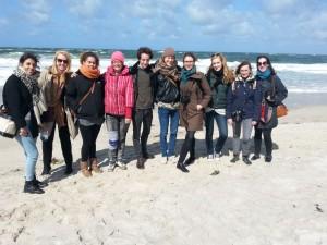 Die Jungen Freunde beim Ausflug zur Nolde-Stiftung in Seebüll.