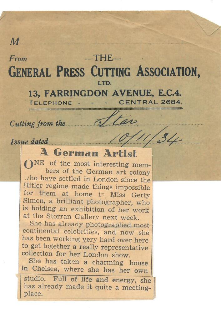 """Zu sehen ist ein kurzer, englischer Zeitungsausschnitt der Zeitung """"Star"""", der Gerty Simons Arbeit in London beschreibt und lobt."""
